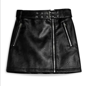 TOP SHOP brand new Hardware Faux Leather Miniskirt